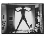 Autoportrét v okně_1985